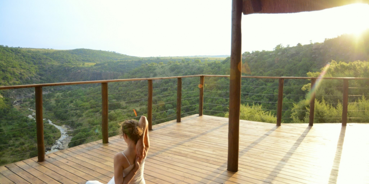 esiweni-lodge-rooms-luxury-suite-deck-01